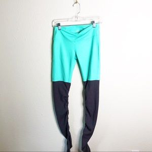 ALO Goodess Leggings in Mint and Grey-Sz S
